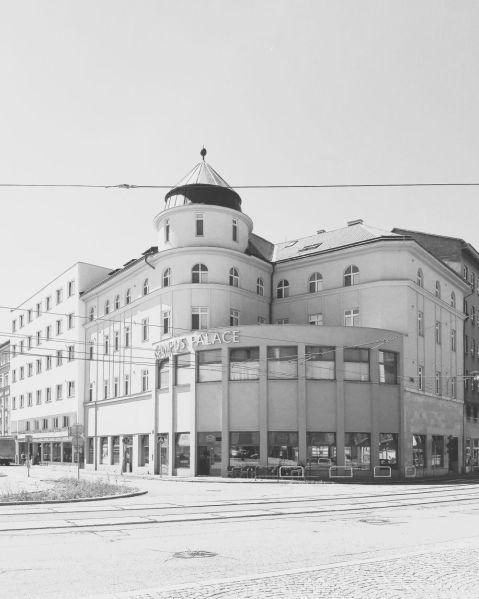 Obytný dům F. Aufrichta s kavárnouEvropa